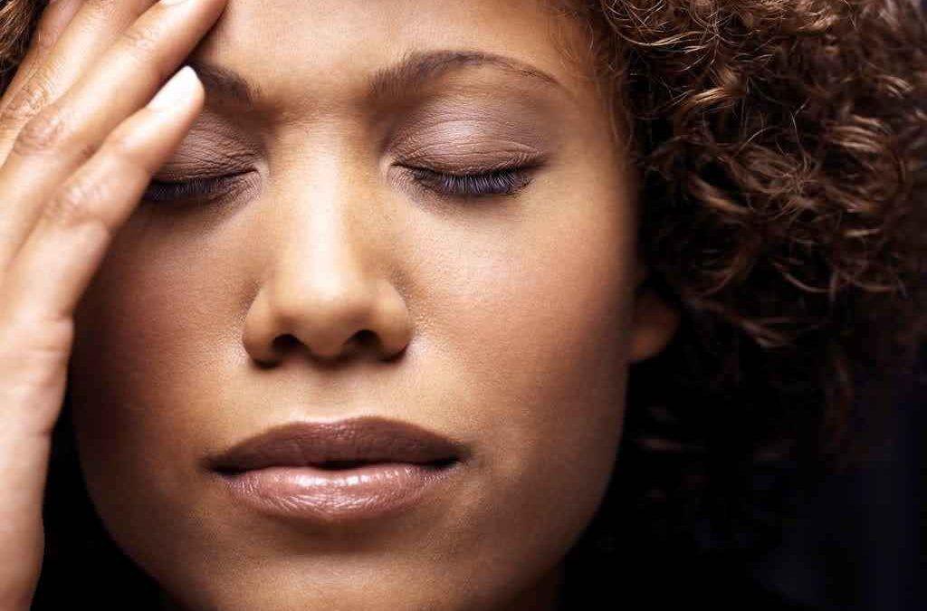 Dolor de cabeza Significado espiritual —Completo—