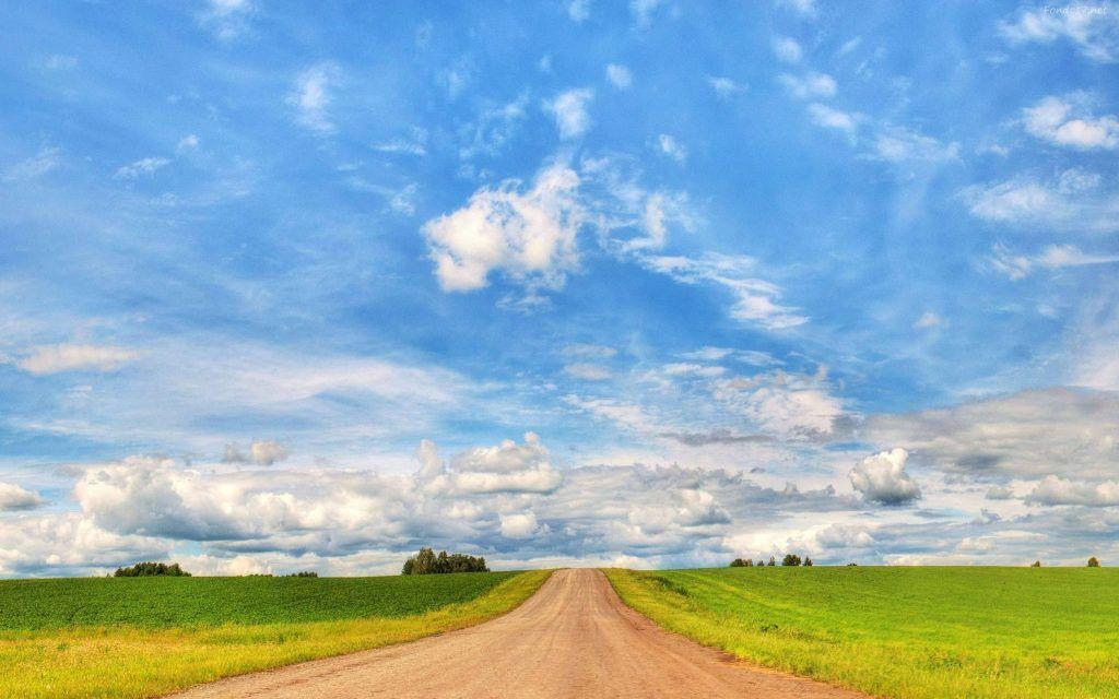 bello-cielo-azul-y-carretera-8143